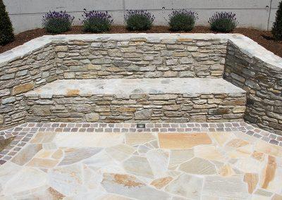 Quarzit Mauer und Quarzit Polygonalplatten